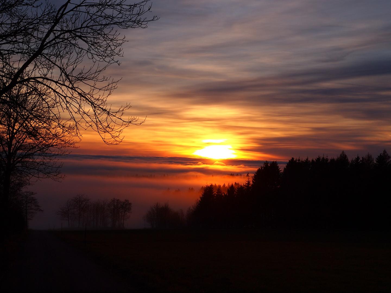 Sonnenuntergang bei Inversionswetterlage