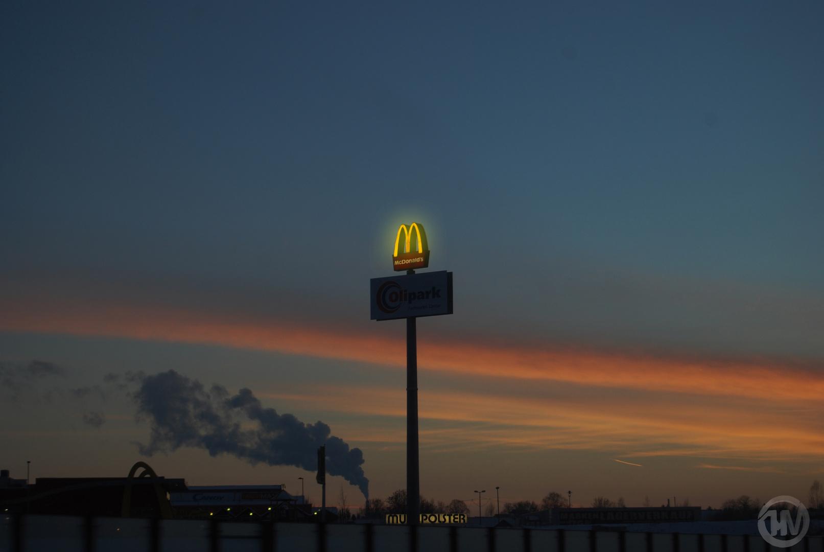 Sonnenuntergang bei MC Donalds