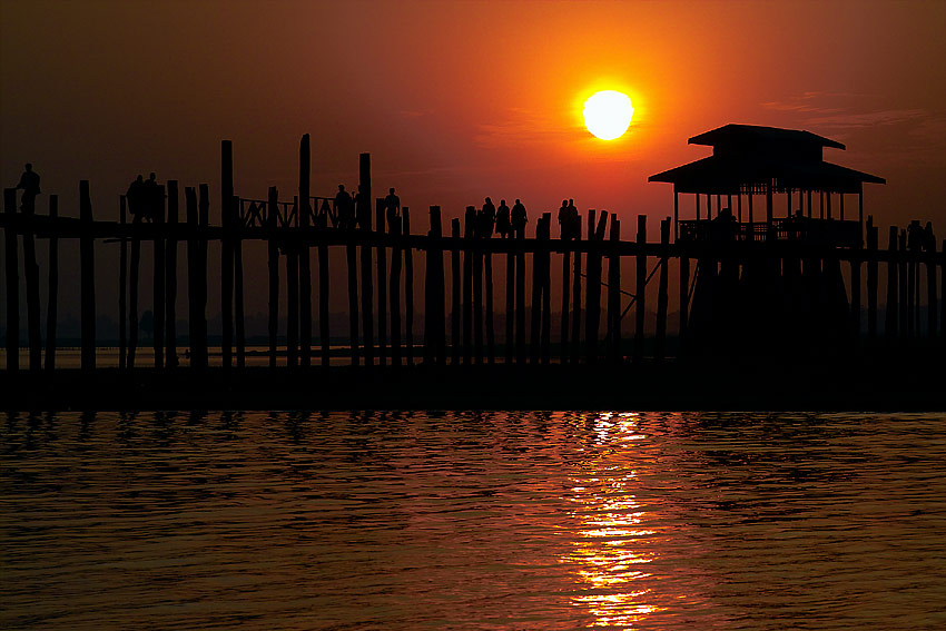 Sonnenuntergang bei U-Bein Brücke #1