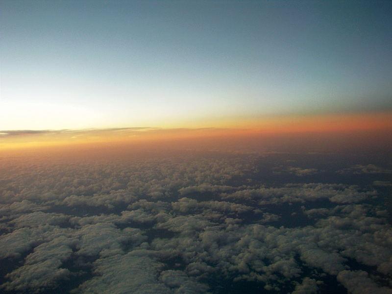 Sonnenuntergang, Blick aus dem Flugzeug
