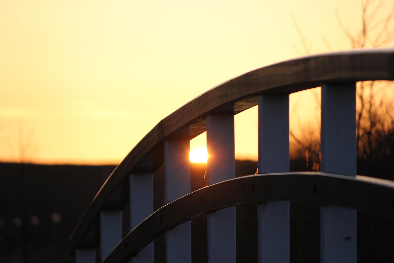 Sonnenuntergang / Brücke