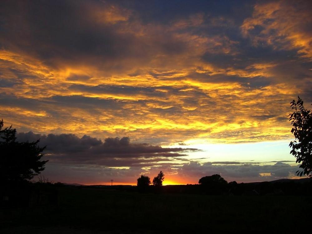 Sonnenuntergang-burning sky