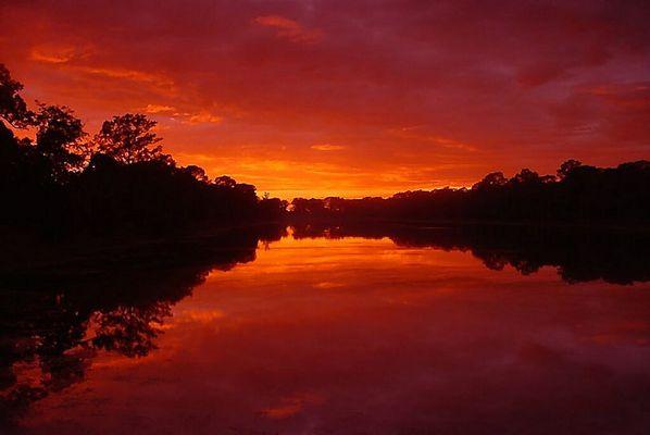 Sonnenuntergang eines heißen Tages