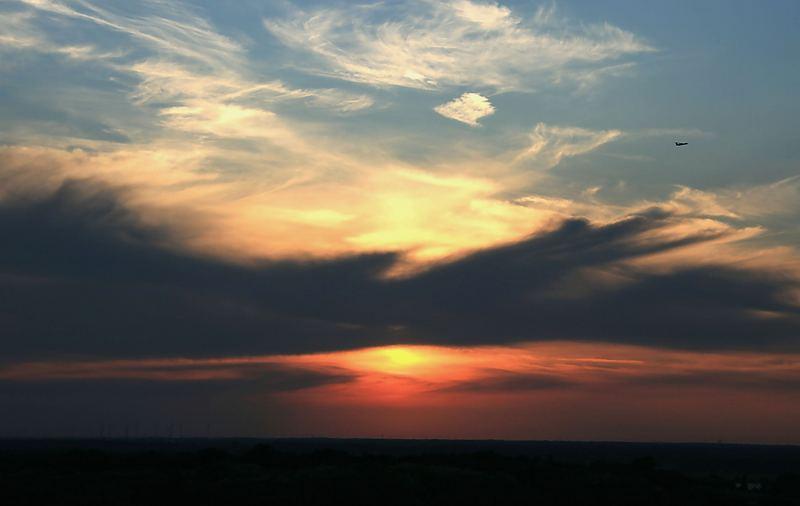 Sonnenuntergang gesehen aus Berlin -Spandau- West Staaken vom Hahneberg