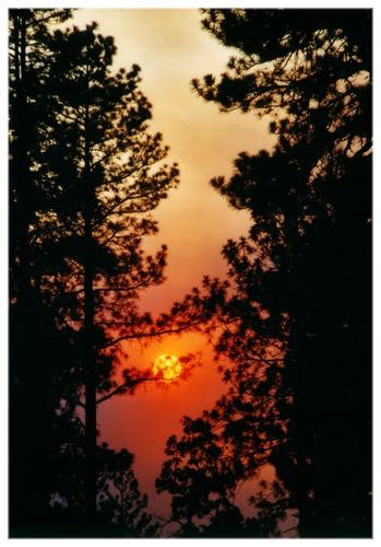 Sonnenuntergang hinter Rauchwolken !!!