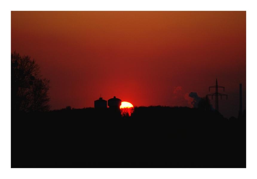 Sonnenuntergang hinter Wassertürmen II