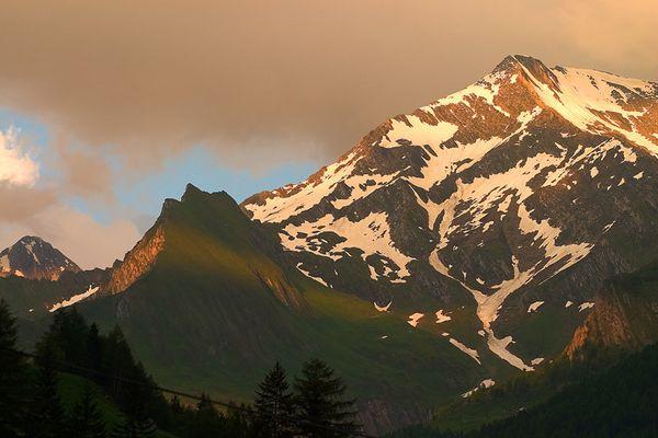 Sonnenuntergang im Ahrntal/Südtirol