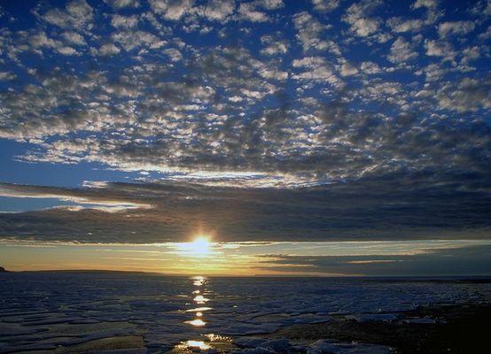 Sonnenuntergang im antarktischen Packeis