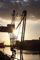 Sonnenuntergang im Duisburger Innenhafen
