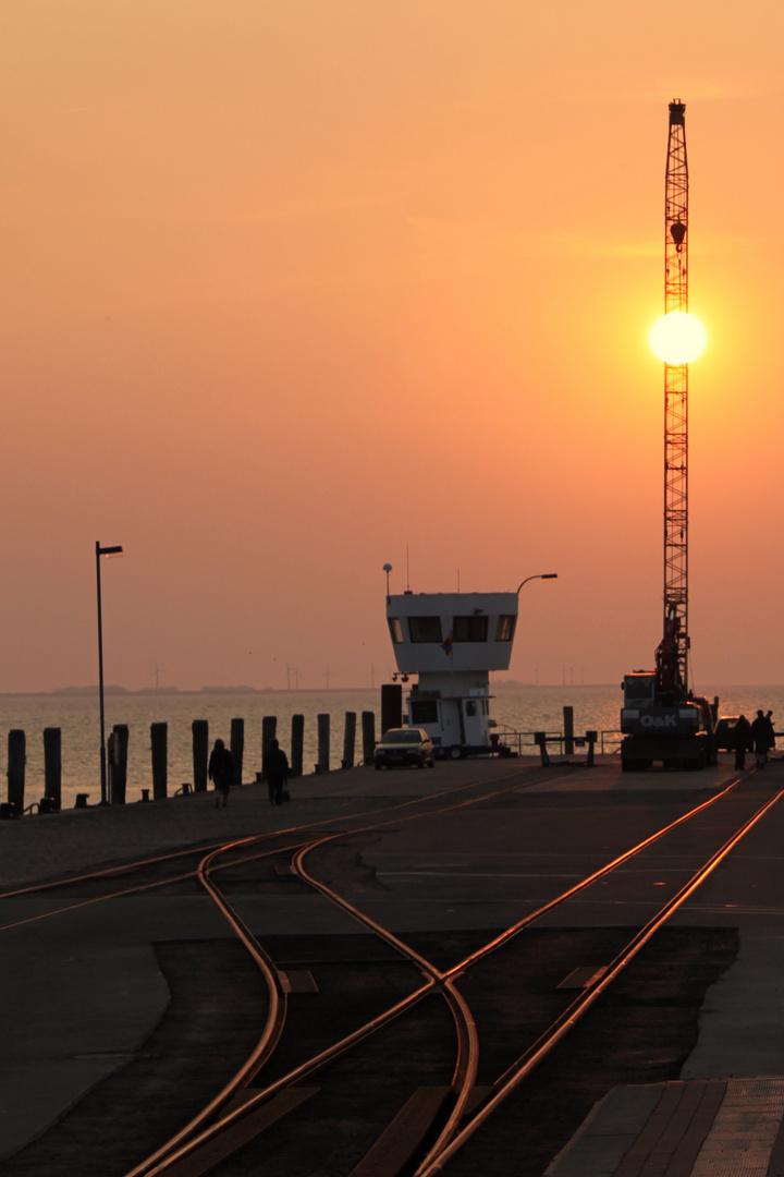 Sonnenuntergang im Hafen von Dagebüll