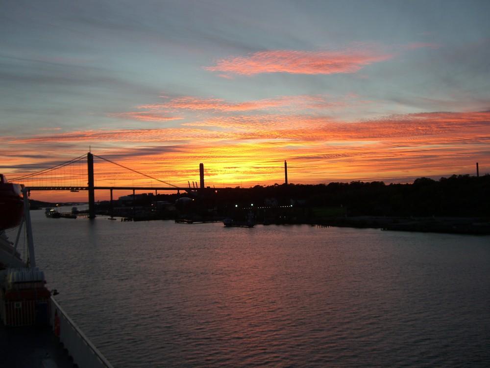 Sonnenuntergang im Hafen von Göteborg