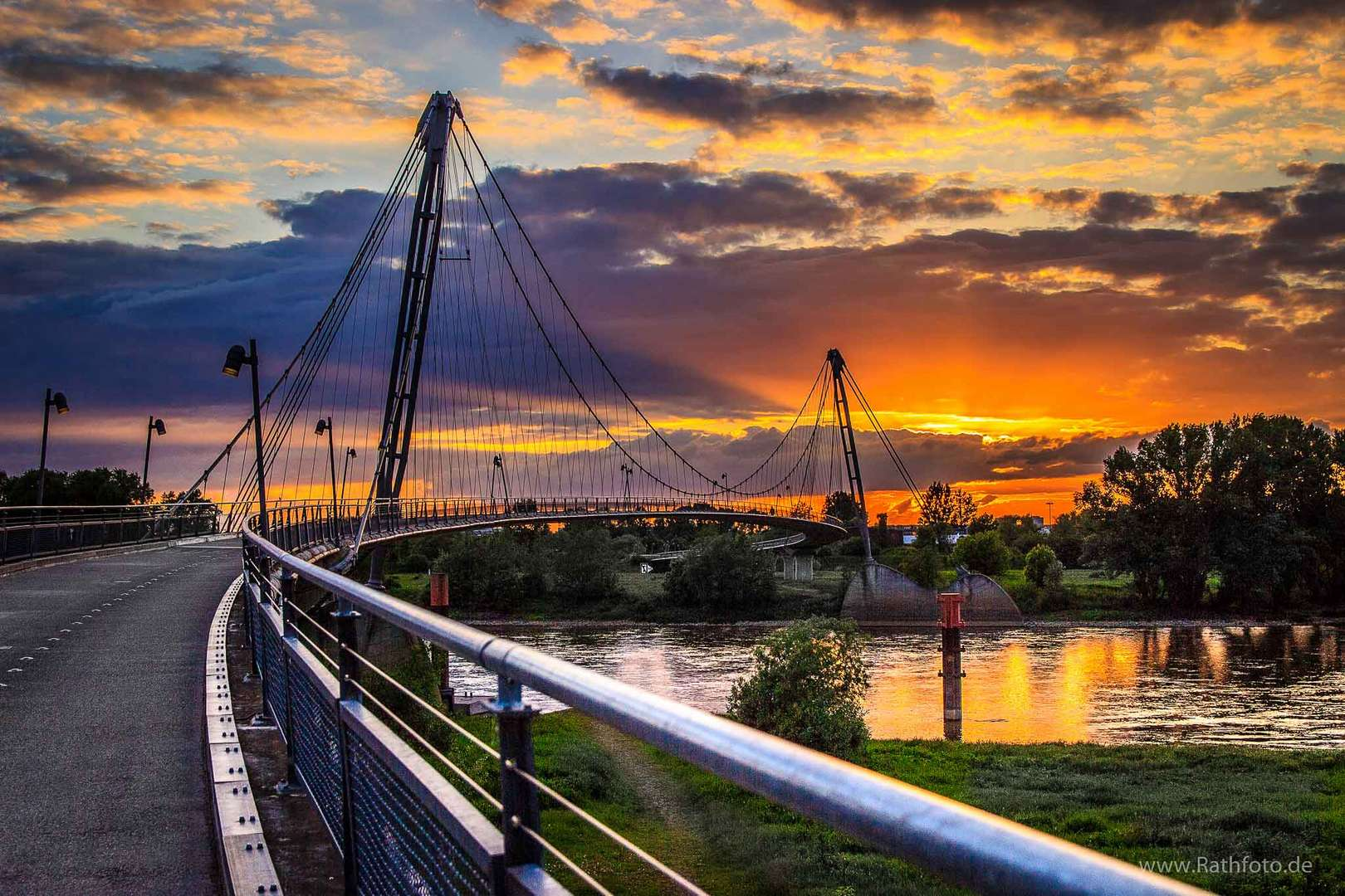 Sonnenuntergang im Herrenkrug / Magdeburg
