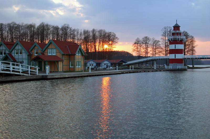 Sonnenuntergang im Marinapark Rheinsberg