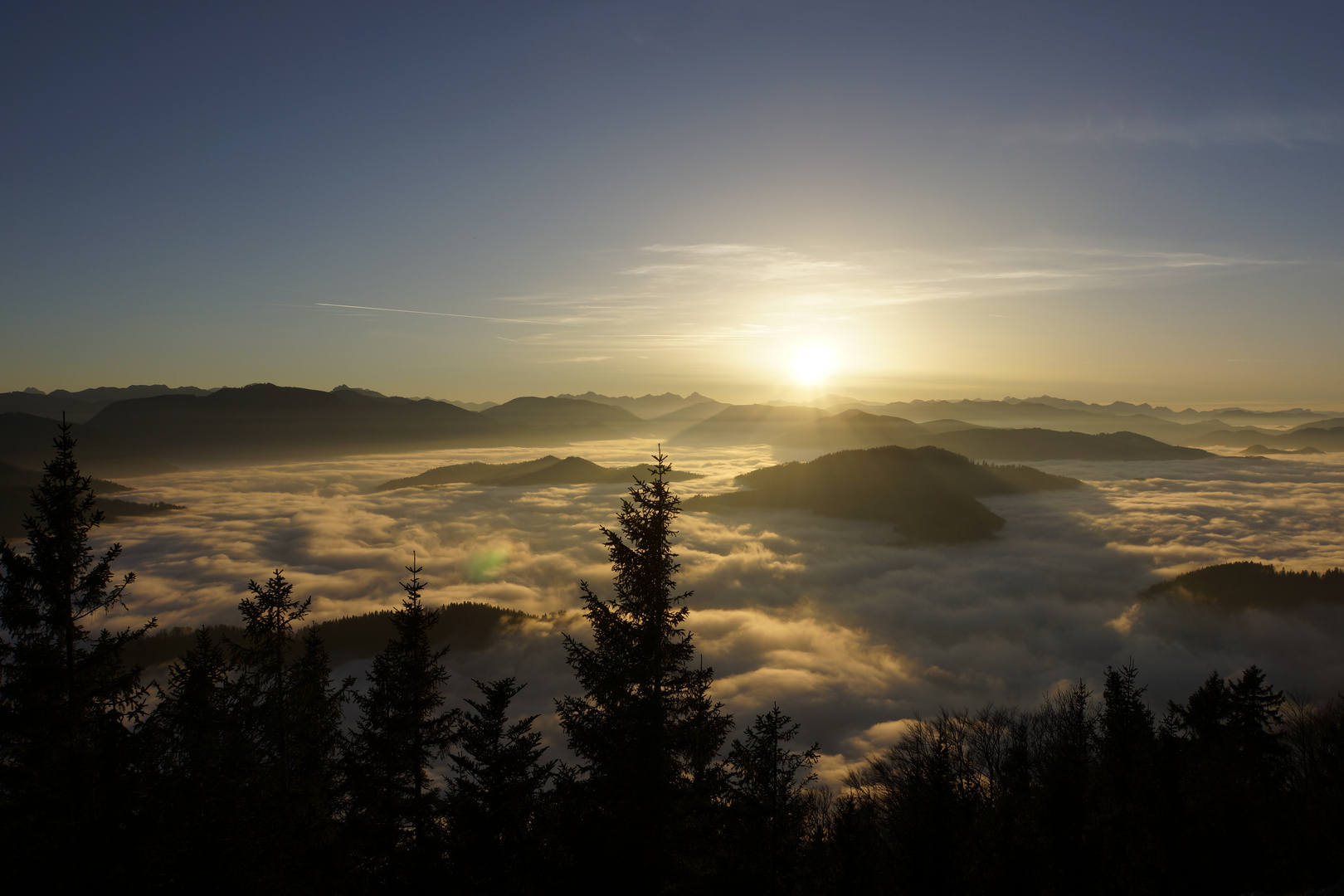 Sonnenuntergang im Nebelsee