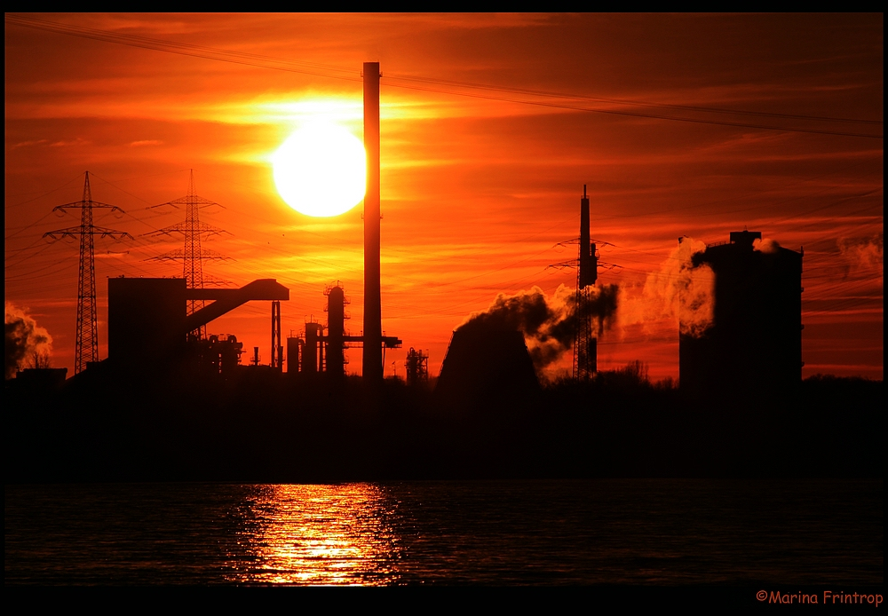 Sonnenuntergang im Ruhrgebiet - Hüttenwerke Krupp Mannesmann - HKM Duisburg