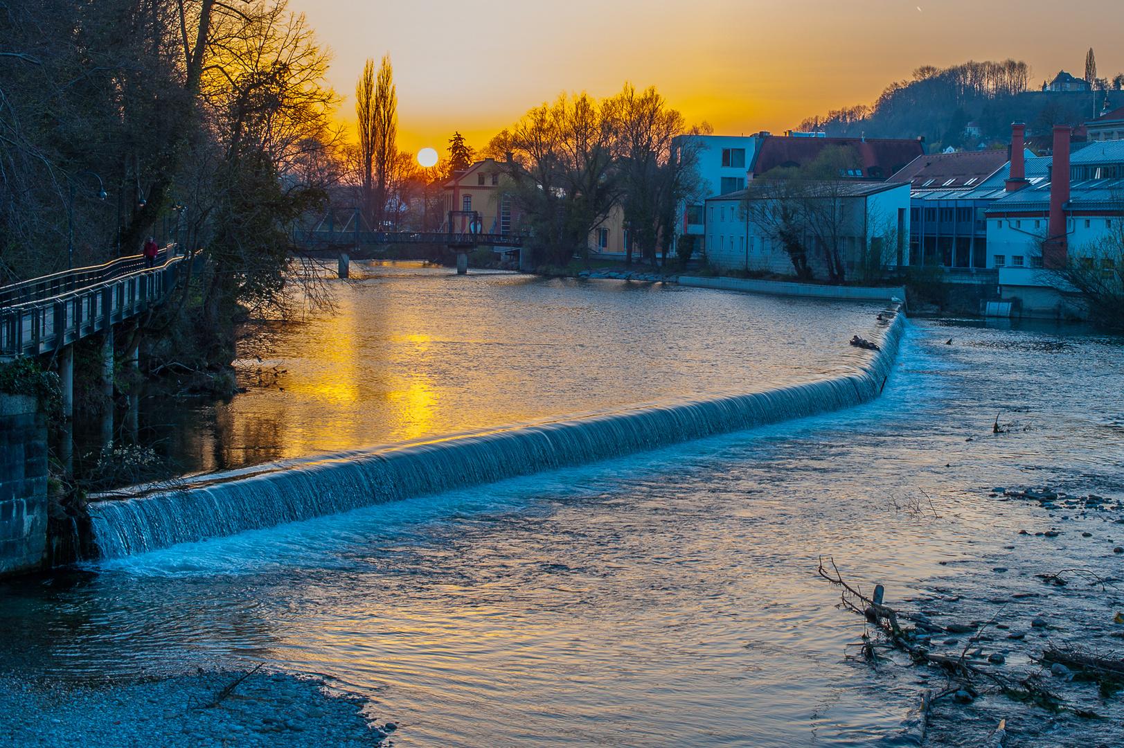 Sonnenuntergang im Wehrgraben (Steyr)