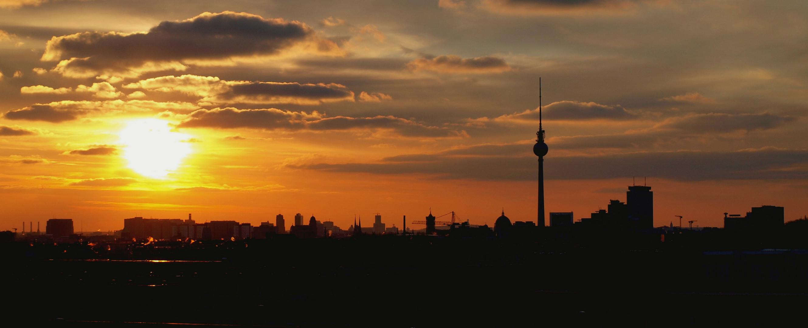 Sonnenuntergang in Berlin (Blick auf Fernsehturm)