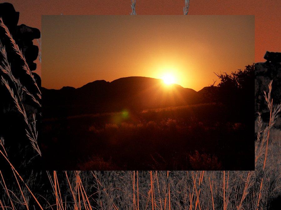 Sonnenuntergang in den Bergen Namibias