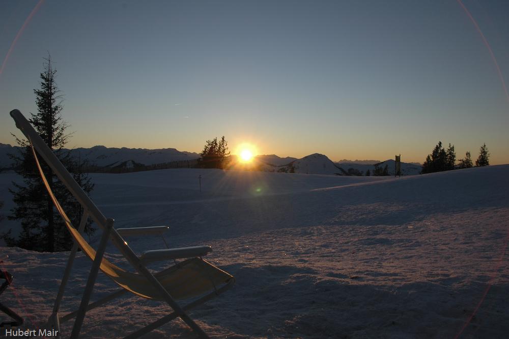 Sonnenuntergang in den österreichischen Bergen