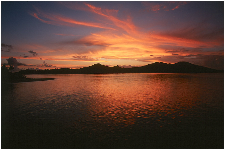Sonnenuntergang in den Yassawas (2)
