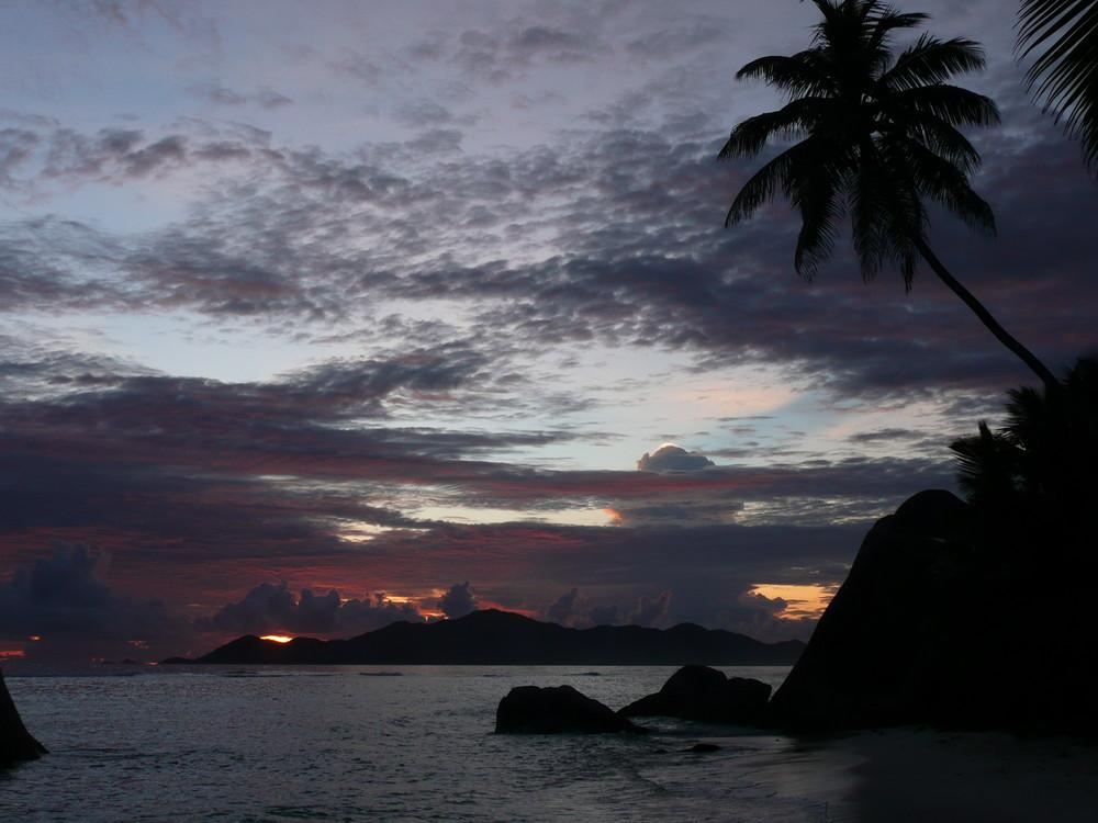 Sonnenuntergang in der Anse Source d'Argent