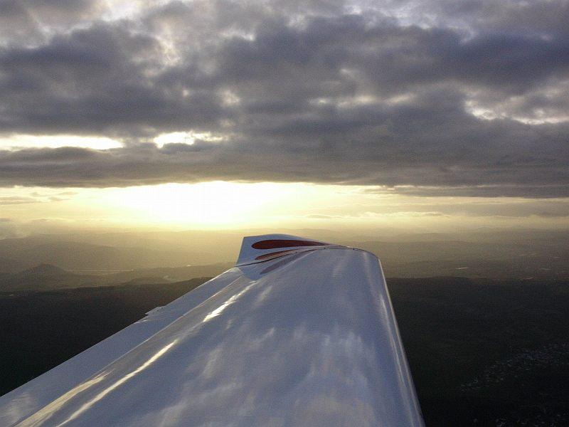 Sonnenuntergang in der Eifel aus der Luft