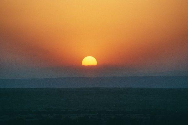 Sonnenuntergang in der jordanischen Wüste