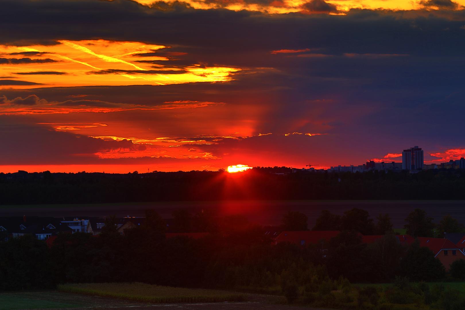 Sonnenuntergang in Großziethen.