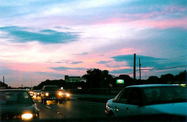 Sonnenuntergang in Orlando Vol. I - aus der Ladefläche eines Pick-Up-Trucks photographiert.