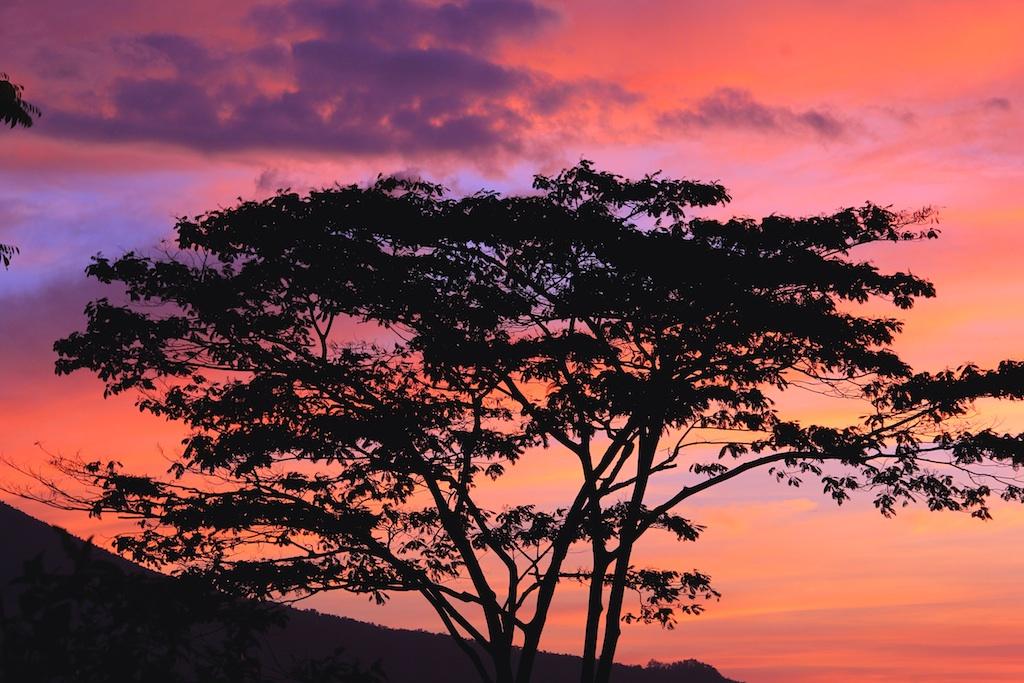 Sonnenuntergang in Ruteng Flores Indonesien