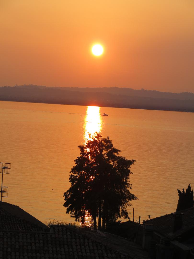 Sonnenuntergang in Sirmione Gardasee