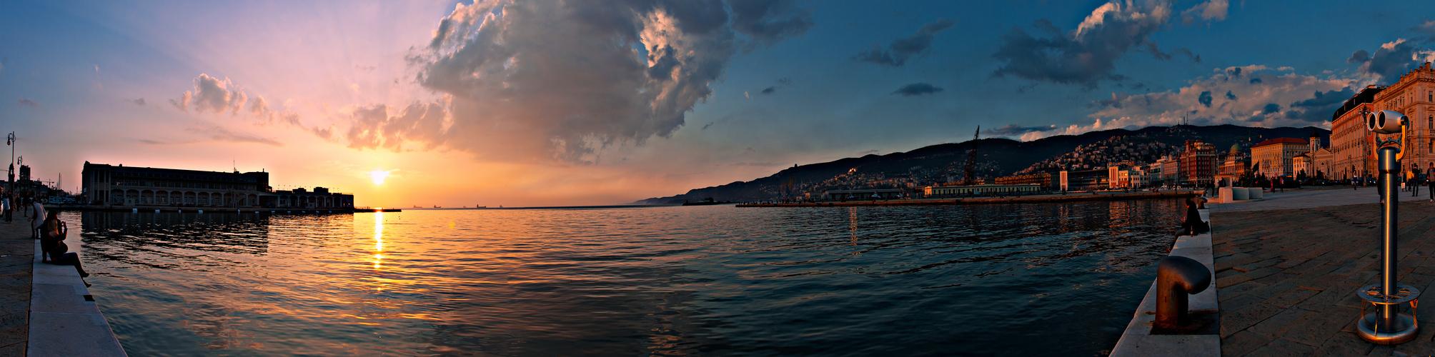 Sonnenuntergang in Triest
