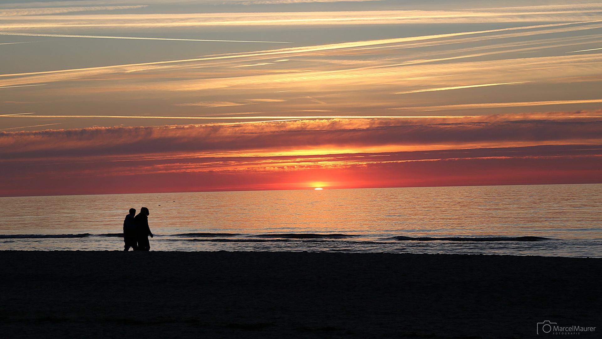 Sonnenuntergang in Warnemünde TEIL2
