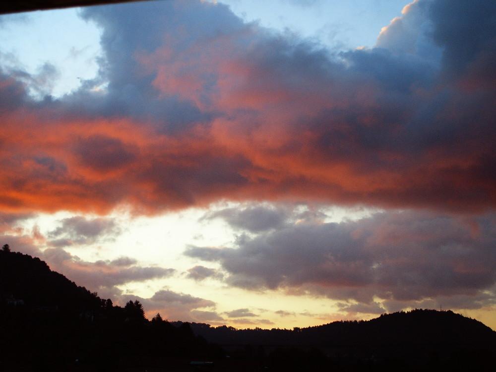 Sonnenuntergang in Wolken