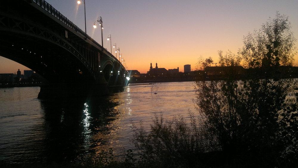 Sonnenuntergang-Mainz