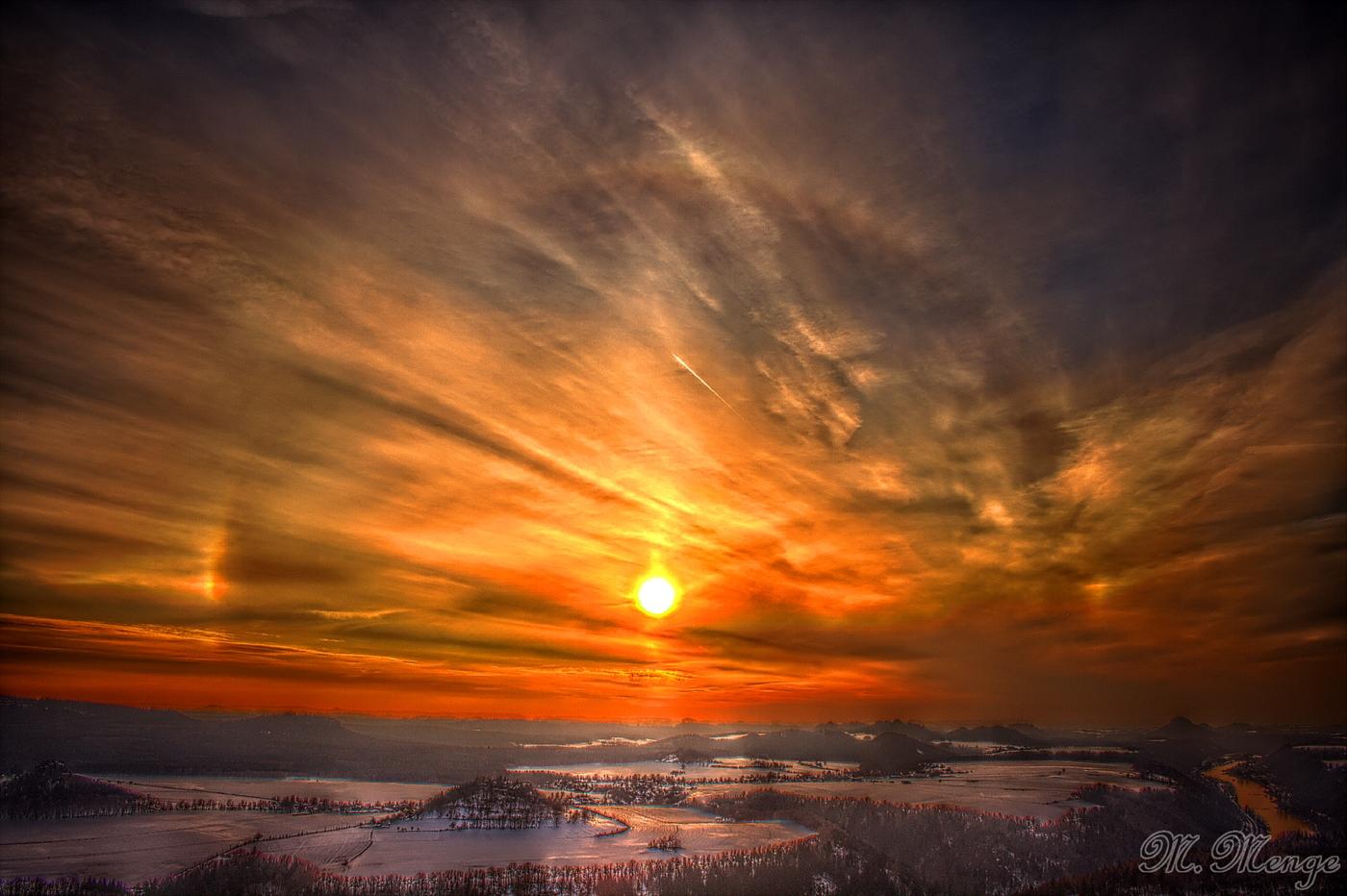 Sonnenuntergang mit Halo-Effekt