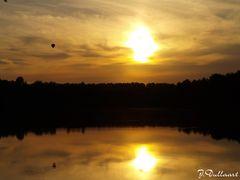 Sonnenuntergang mit Heißluftballon am Dirksmeier See