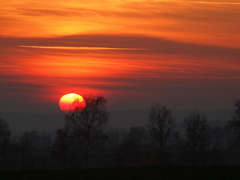 Sonnenuntergang mit reflexion am Horizont in Bad Kissingen