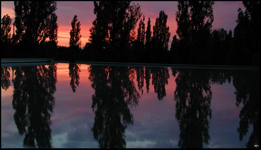 Sonnenuntergang mit Spiegelung ...