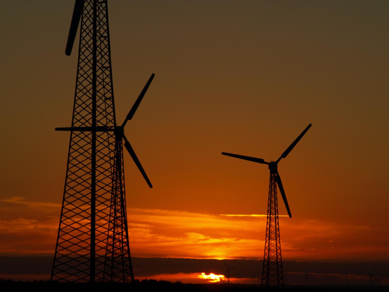 Sonnenuntergang mit Windrad....oder Windrad mit Sonnenuntergang