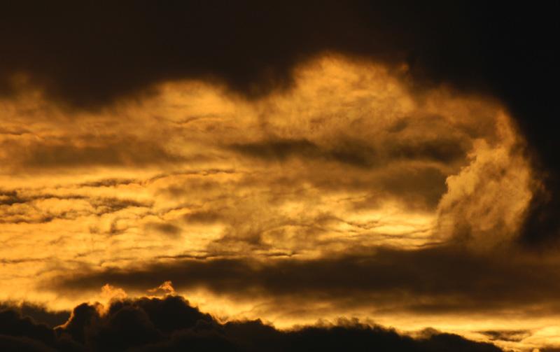Sonnenuntergang mit Wolken