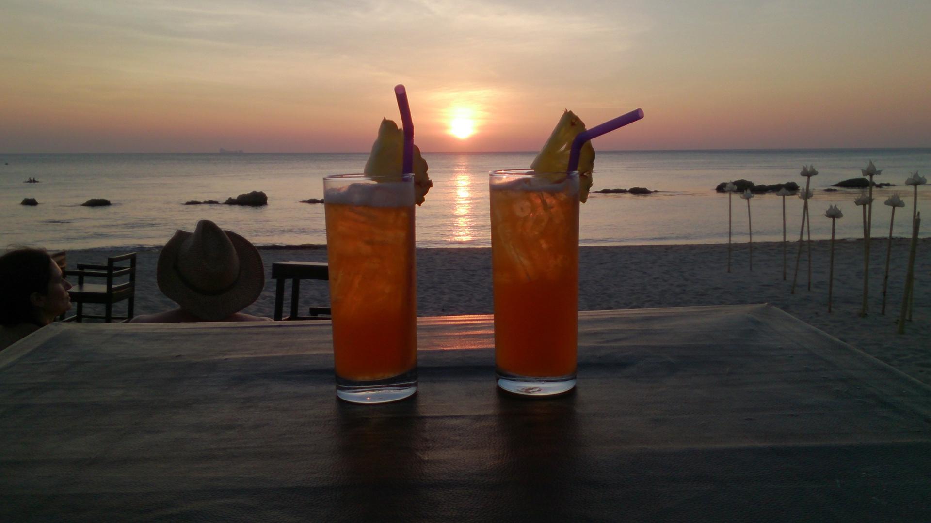 """Sonnenuntergang mit zwei """"Sex on the Beach"""""""