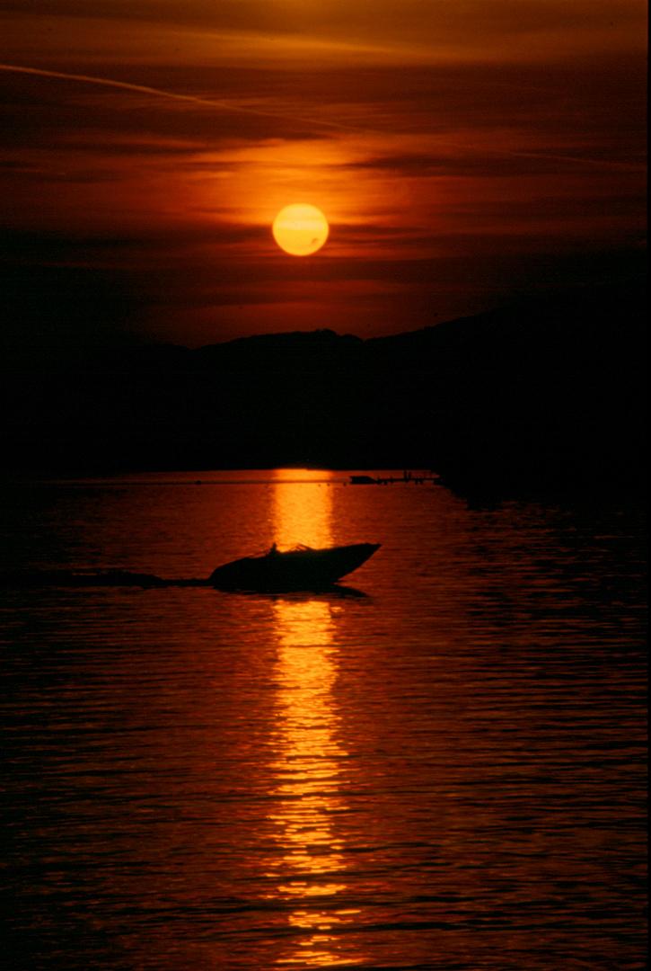 Sonnenuntergang Montreux Schweiz / Suisse Genfersee / Lac Leman