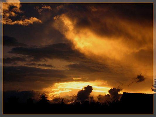 Sonnenuntergang nach dem Gewitter