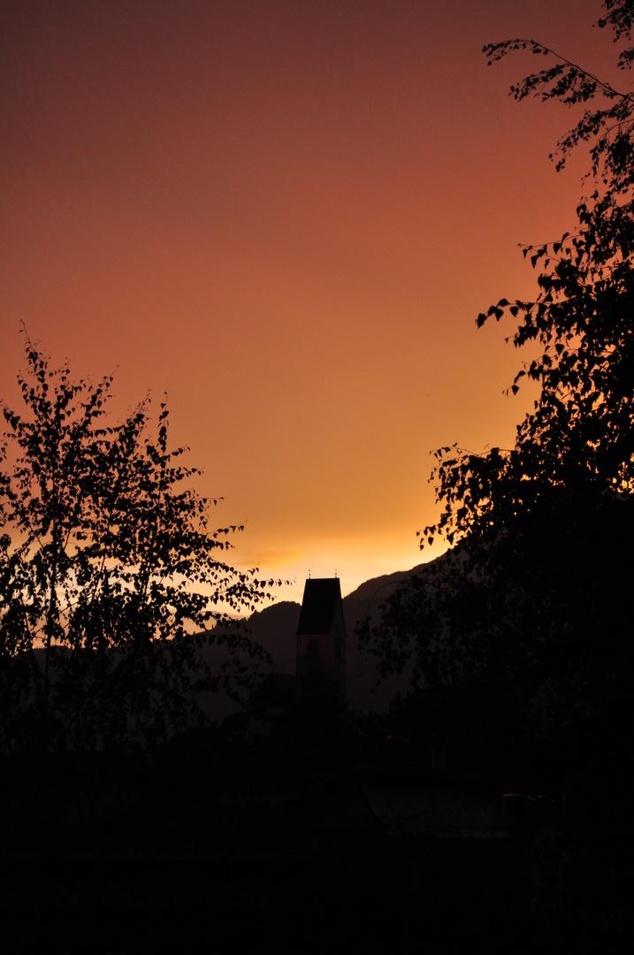 Sonnenuntergang nach einem Gewittersturm