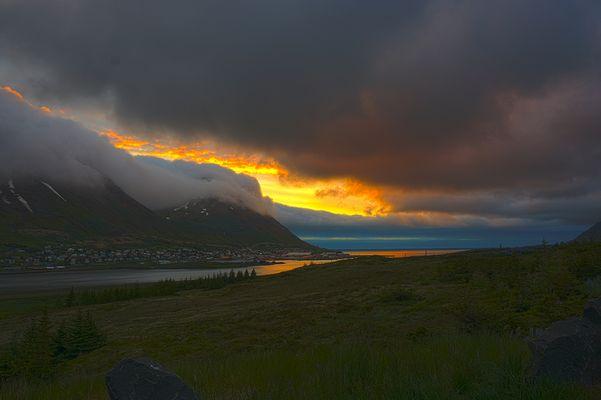 Sonnenuntergang Nähe Siglufjörður, Island