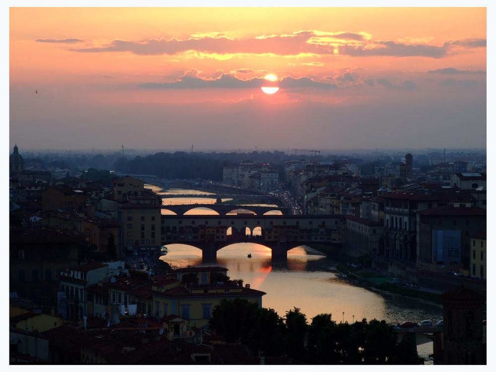 Sonnenuntergang über dem Arno