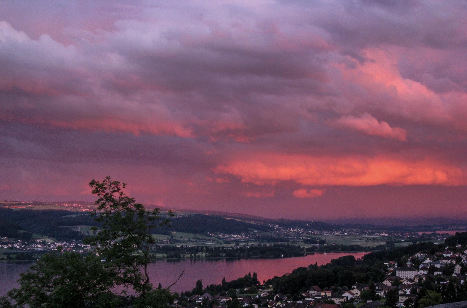 Sonnenuntergang über dem Hallwiler See