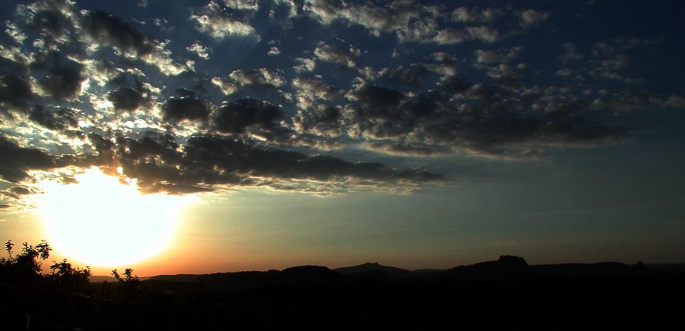 Sonnenuntergang über dem Hegau