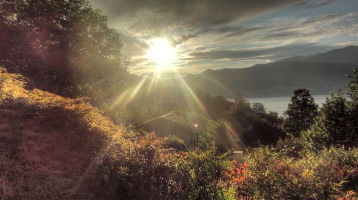 Sonnenuntergang über dem Lago Maggiore